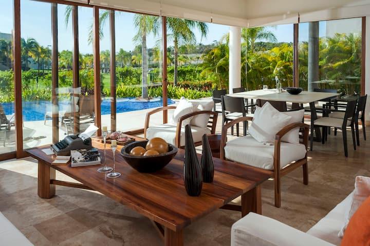 Villa con Acceso al Mar y Alberca Privada