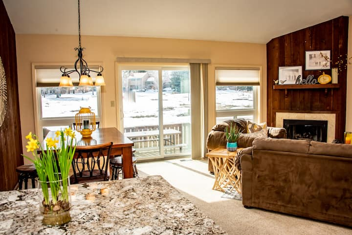 NEW!  LUXE condo in the heart of Pagosa★ ❤ ♛❀