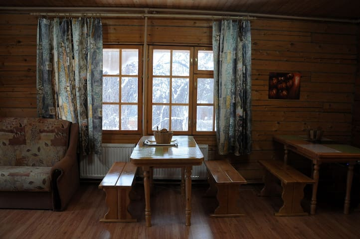 Single room in spacious house - Zheleznodorozhnyy - Bed & Breakfast