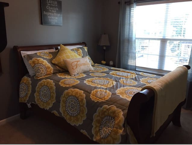 Beautiful luxurious, cozy room - Fort Mill