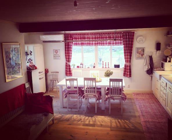 Upplev vintern på Möja i mysigt hus för 4p.