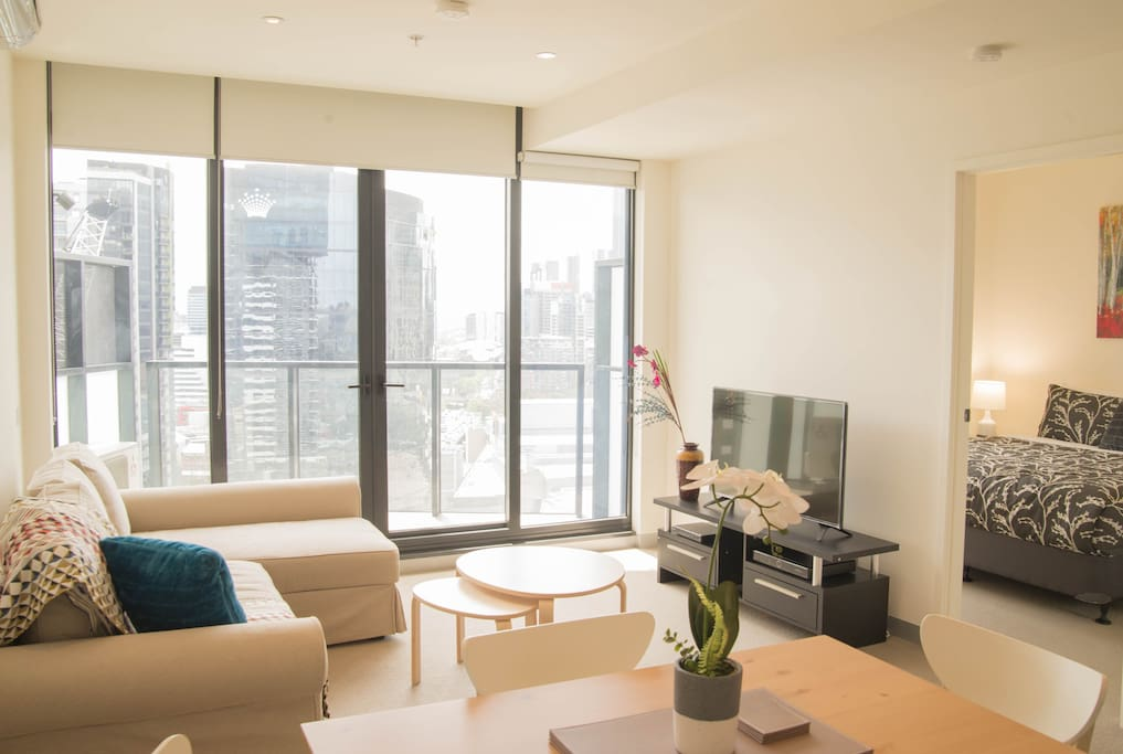 Stunning North Facing 2 Bedroom Apartment Apartments For