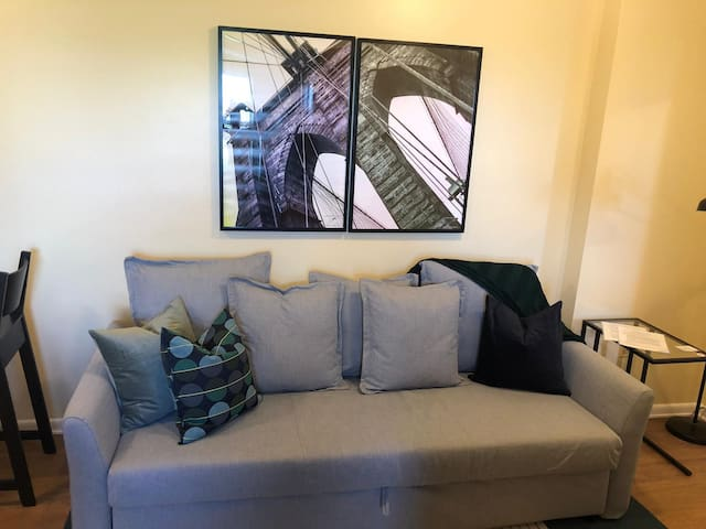 Classy and Cute 2b Apt/20 min to NYC-Parking Avail