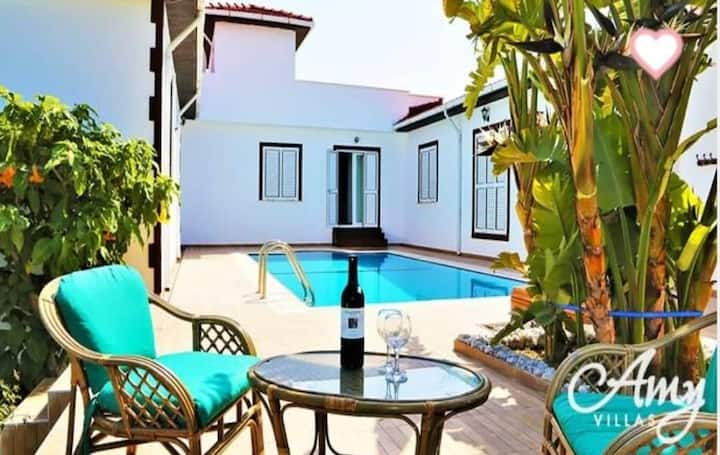 Luxurious private pool & garden Villa in Kyrenia