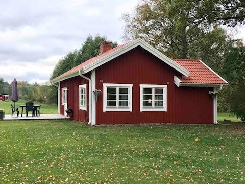 Stuga på natursköna Lugnåsberget