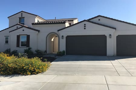 Riverside Single family home Suite2