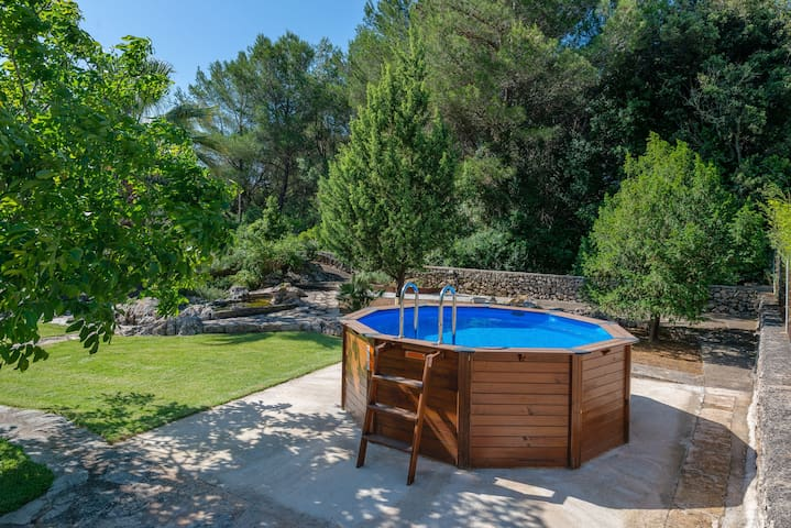 PEQUEÑA - Delightful little country house with above ground private pool, ideal for couples