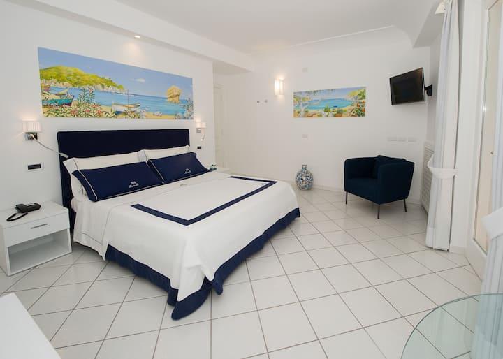 Villa Marinella elegant room