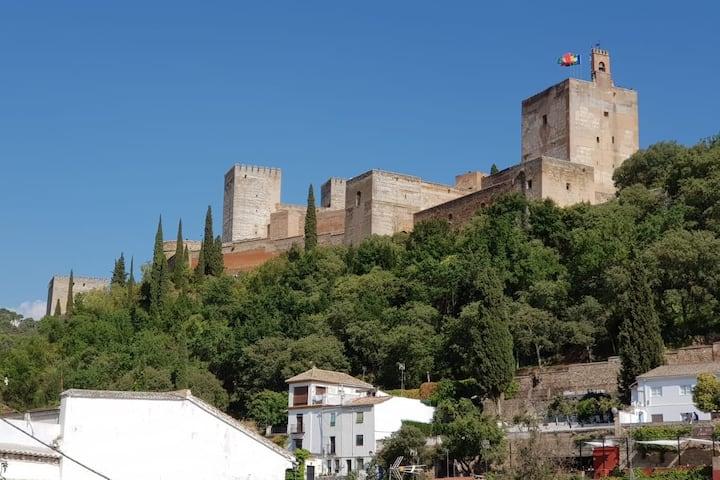 Apartamento con balcón y vistas Alhambra
