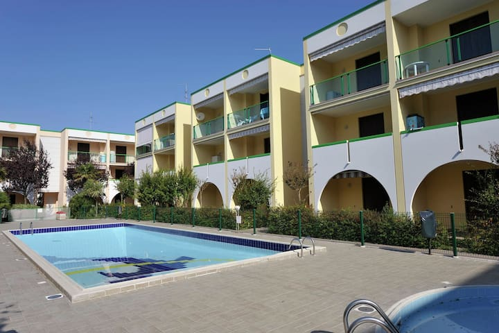 Elegant and comfortable apartment with pool, in the SPA area of Bibione.