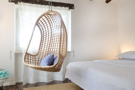 Charming B&B Room near Sant'Andrea - Bed & Breakfast