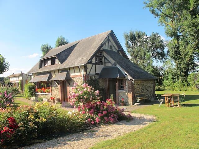 Maison ancienne de charme proche Evreux et Giverny - Irreville - บ้าน