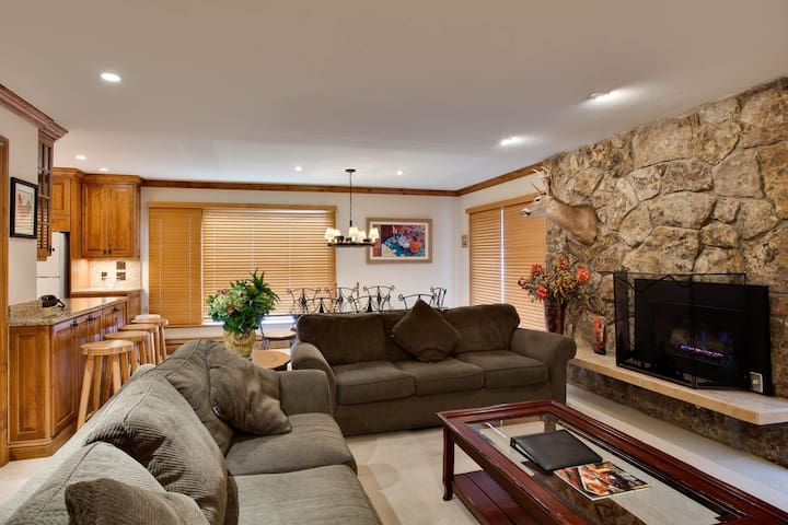 Riva Ridge 720: two bedroom – premier location Vail Village