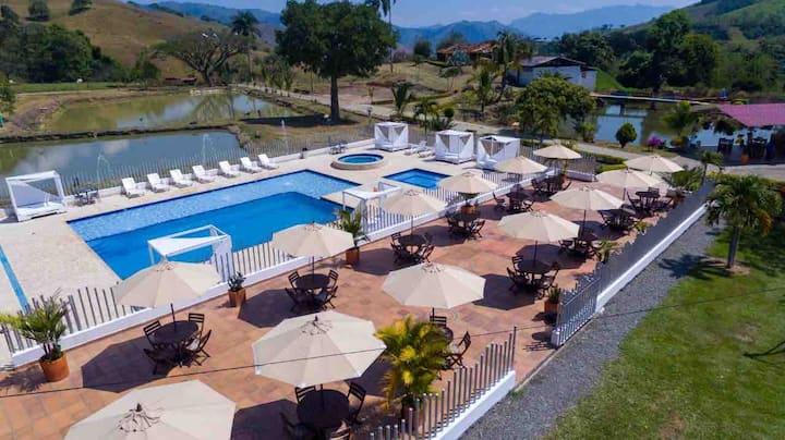 Finca Hotel Lagos Del Citara