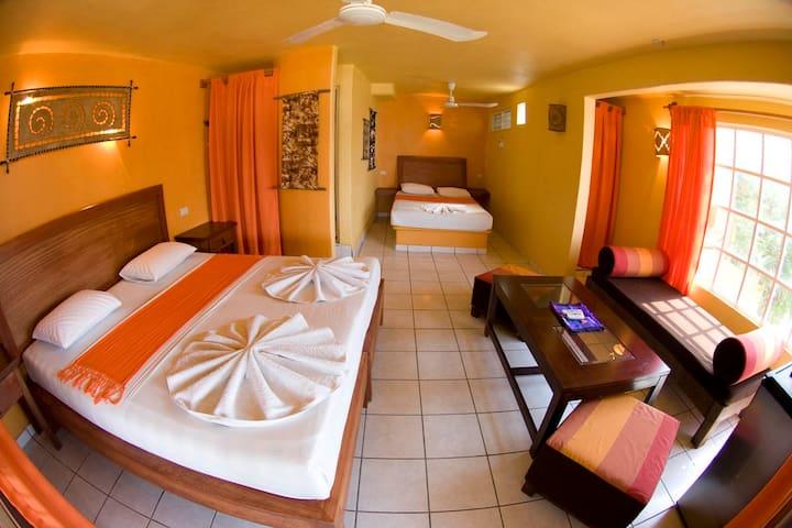 Suite frente a Zicatela beachbreak