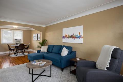 Beautiful South Buffalo parkside apartment
