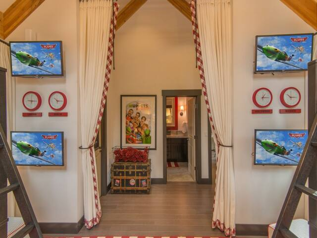 HGTV Dream Home in Schaffer's Mill - Truckee - Casa