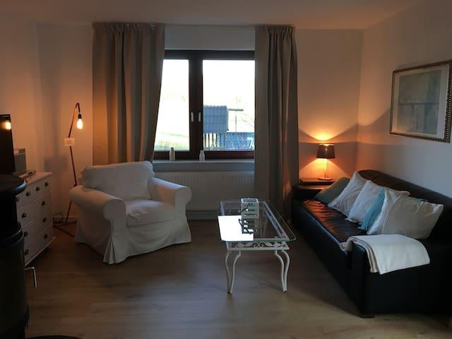 2-Zi Wohnung am Timmendorfer Strand Kamin&Terrasse - Timmendorfer Strand - Lägenhet