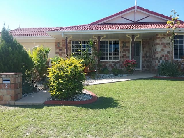 Relaxed & Homely House in Bongaree, Bribie