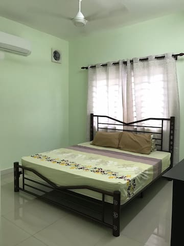 RM30/day BUDGET ROOM5 [FREE WIFI+PRIVATE BATHROOM]