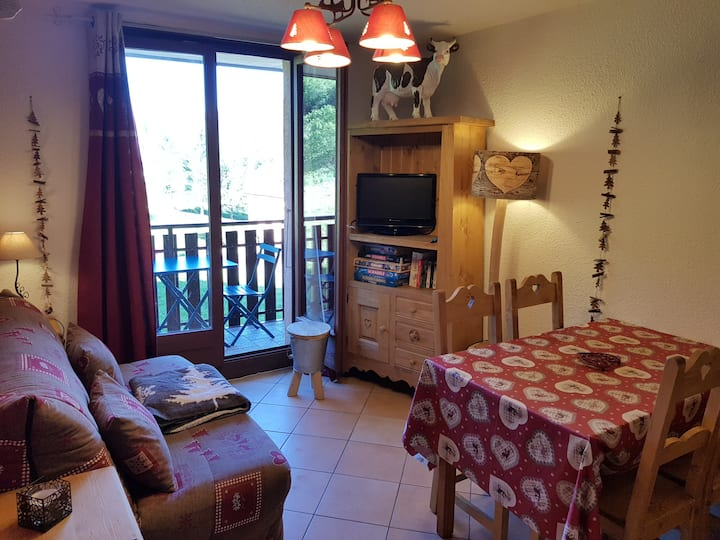 "Appartement Lelex pied de piste ""Les Neves"""