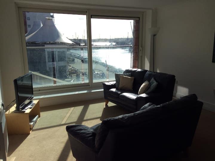 Ipswich's Chic Orwell Waterfront Apartment