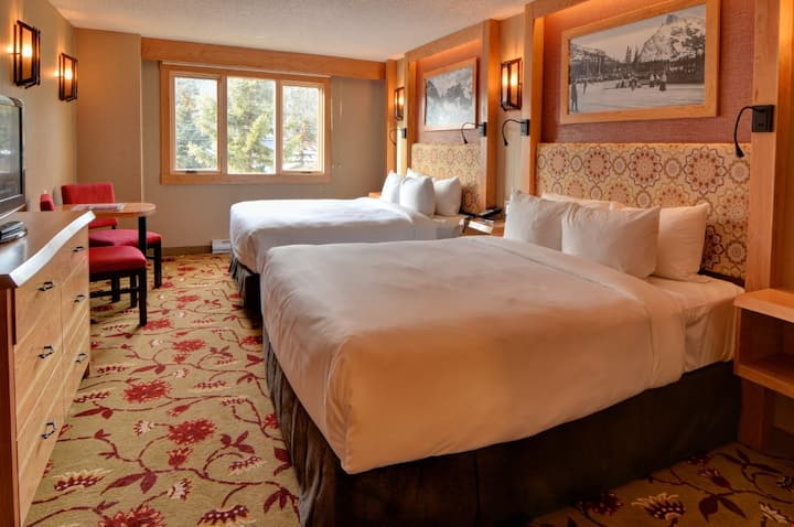 Room in Incredible Downtown Banff Location! Free Breakfast Buffet + Hot Pools