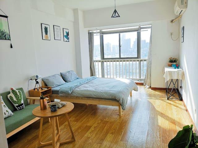 近罍街包河万达广场 地铁口 网红小清新一室 投影大床房