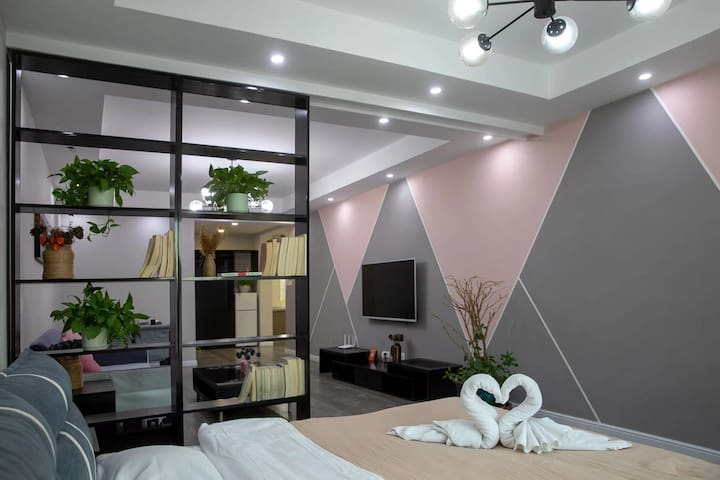 沙漏公寓之粉色小居
