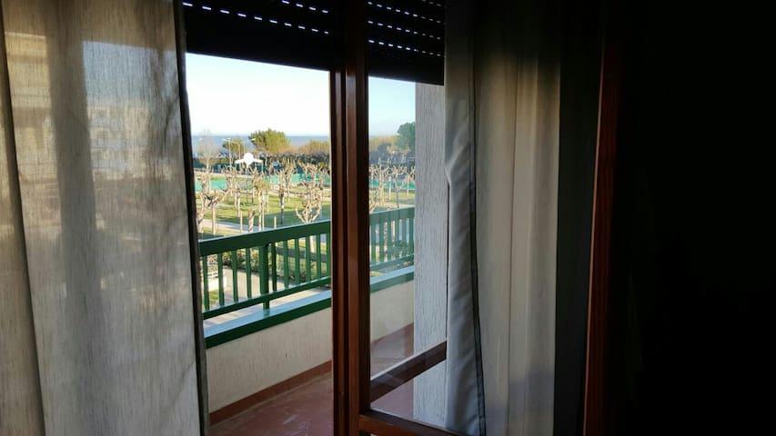 A 100 mt dal mare spazioso appartamento vista mare - Villa Rosa - Lägenhet