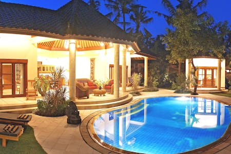 Huge Hall of Fame Managed Bali Luxury Villa Sanur
