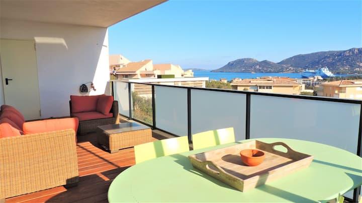 Nice flat with sea view near shops and Porto-Vecchio centre