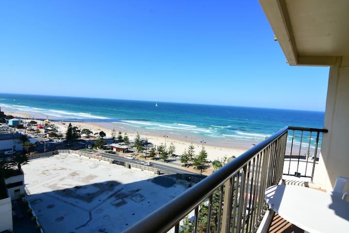 Eva's 1 Bedroom Ocean View Apartment (1204B)