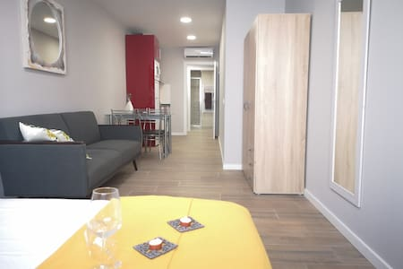 """202 """"Elegant Flat"""" connected with Airport&Downtown"""