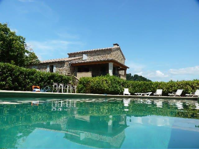 Logement en RDC de villa avec piscine privée 16x6m - Sanilhac - Apartment