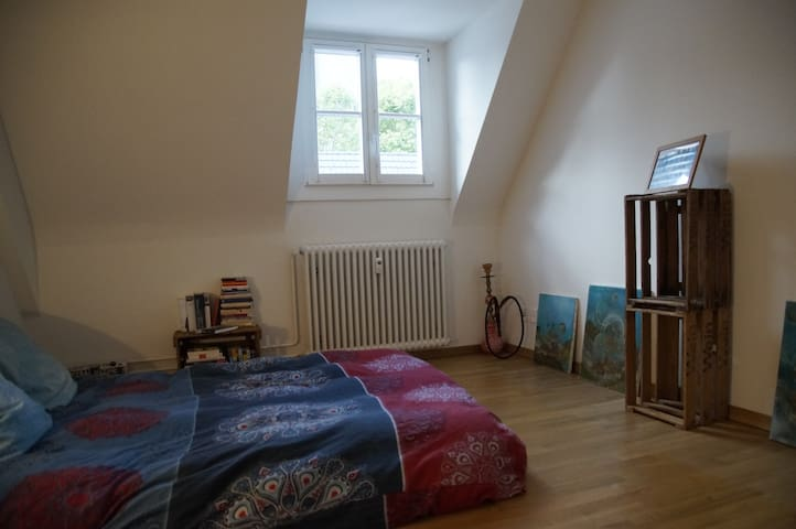 Cozy apartment for up to 5pers 10min walk to Messe