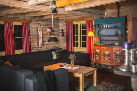 A Traditional Norwegian Timber Cabin - Hol