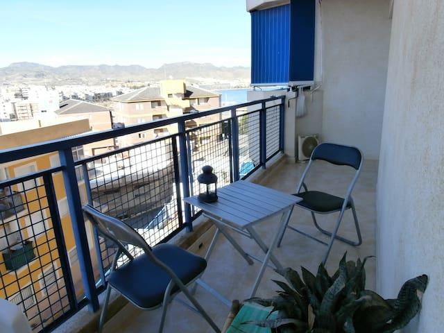 Habitación piso con vistas al Mediterráneo