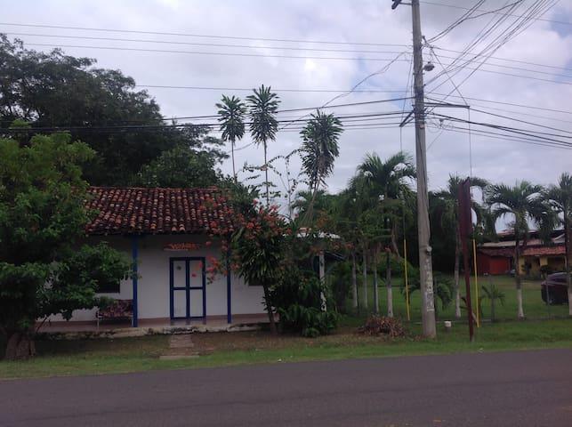 VOYAGER HOSTEL LA VILLA DE LOS SANT