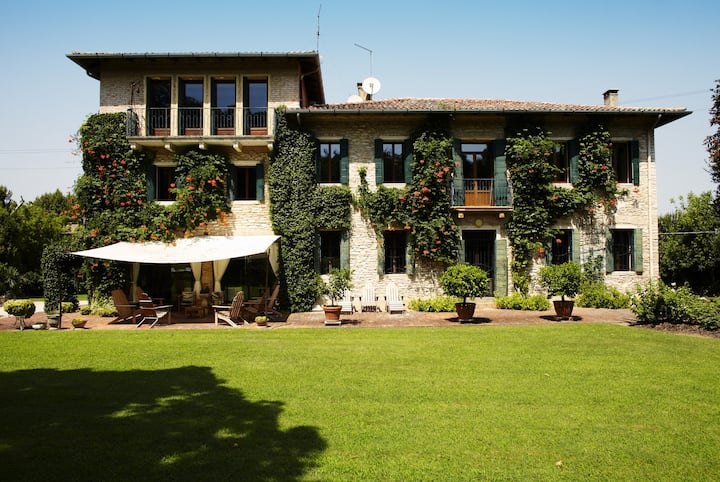 Villa Elisa, among amazing surroundings