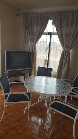 House located near the train station and bus stops - Heredia - Appartement