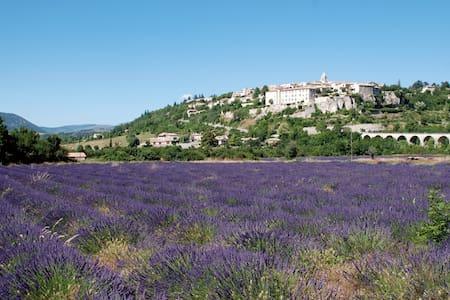 Petite Maison de Village en Provence - Sault