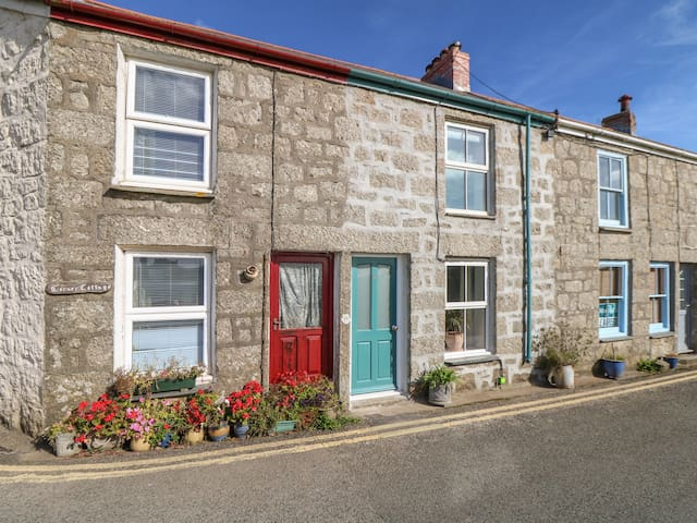 WESTERLY COTTAGE, pet friendly in Penzance, Ref 966086