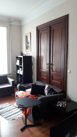 Grande chambre lumineuse et calme - Ottignies-Louvain-la-Neuve