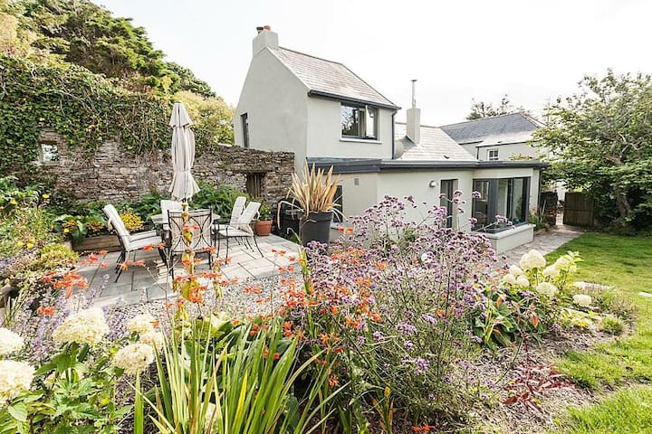 Walled Garden Cottage, Sands Cove near Clonakilty