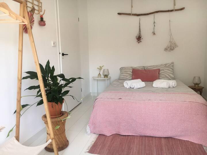 Cozy room near lively city centre