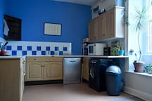 Kitchen facilities (shared space)