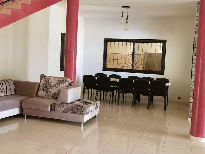 Villa spacieuse et pratique en campagne