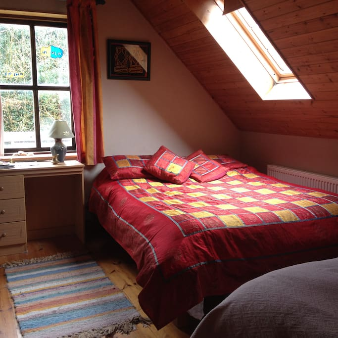 Main Bedroom, sleeps 3
