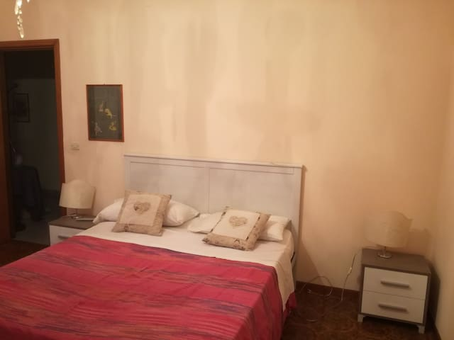 Flat  4 rooms  8  beds  with all services